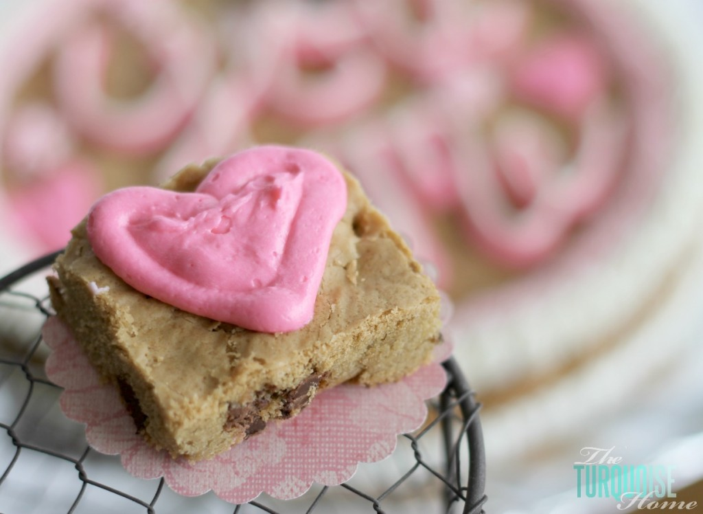 Valentine's Day Cookie Cake {learn how to make your own!}