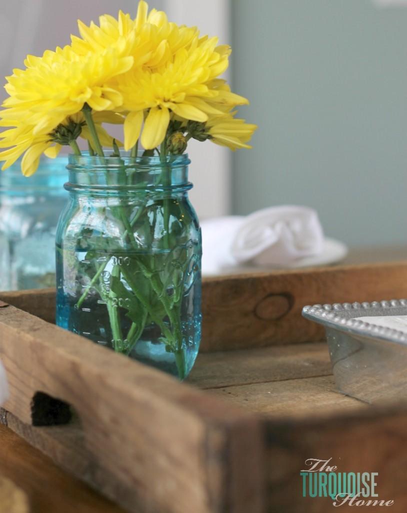 kitchen-tray-flowers