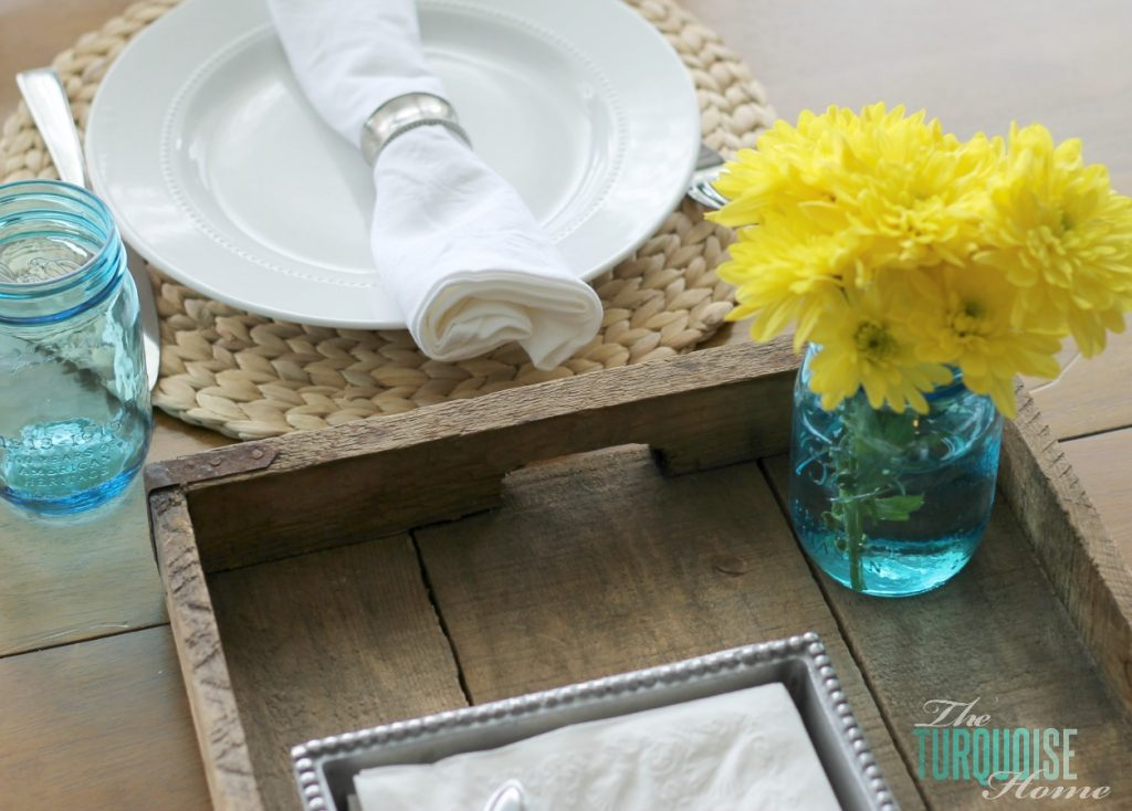 kitchen-tray-table-setting