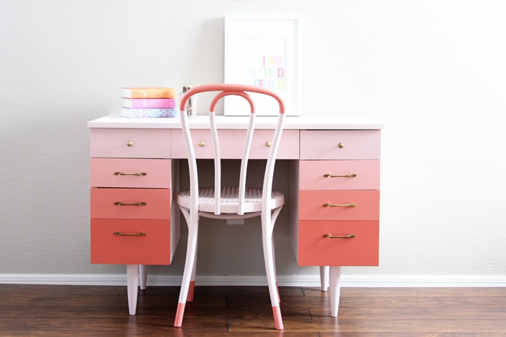 Charmant Ombre Coral Desk