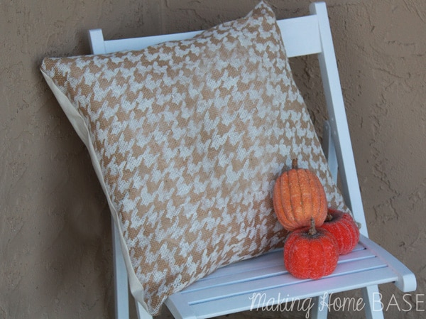 11 Ways to add Fall to your Home | Burlap Houndstooth Pillow from Making Home Base