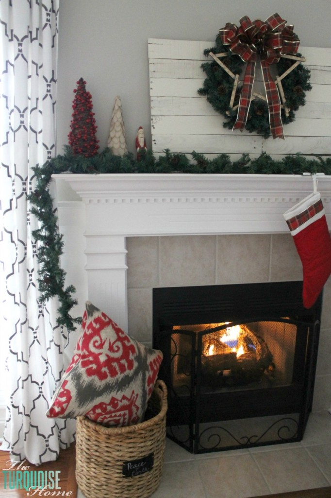 nal Red and Green Christmas Mantel. Find out all the details at TheTurquoiseHome.com