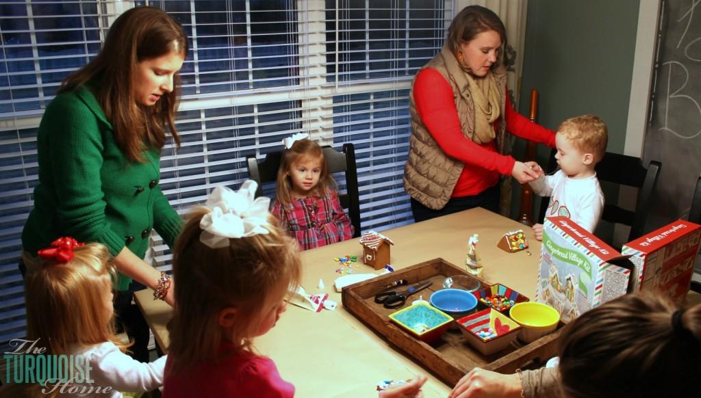 Decorating Gingerbread Houses #sprinkle #birthday