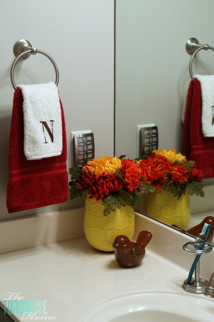 Traditional-Americana Guest Bathroom Update: painted walls, cabinets, new hardware and a punch of color!