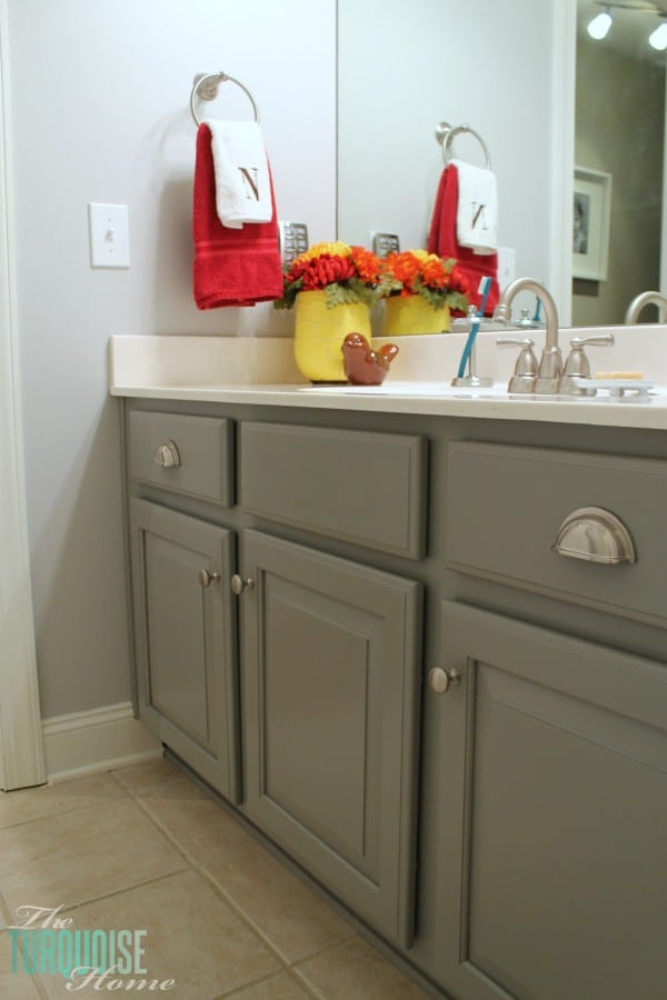 Painting cabinets is a great way to update your builder-grade cabinets!
