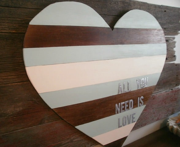 Wood Heart Pallet Sign