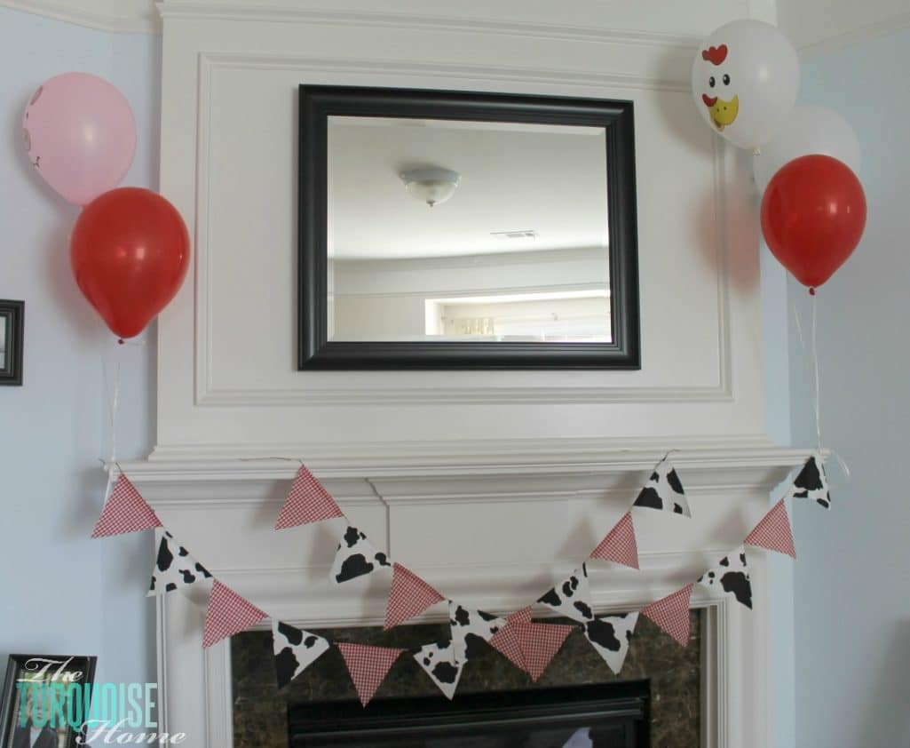 Barnyard Animal Birthday Party {with cute paper banner tutorial} #diy #party #barnyard