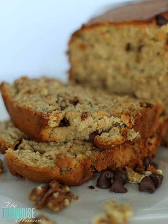 Chocolate Walnut Banana Bread | via TheTurquoiseHome.com
