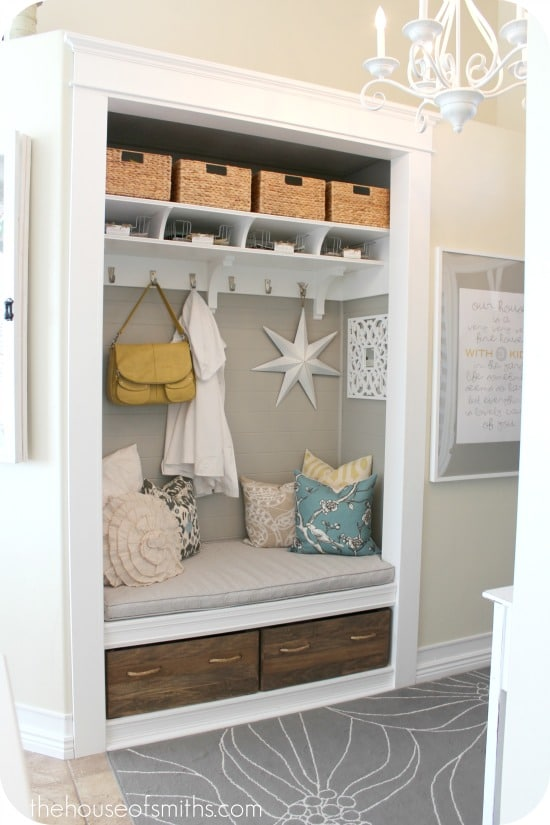 Entryway/Closet/Mudroom Makeover | thehouseofsmiths.com