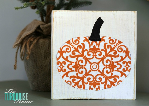 DIY Scrappy Pumpkin Fall Decor | TheTurquoiseHome.com