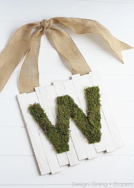 Moss Pallet Sign