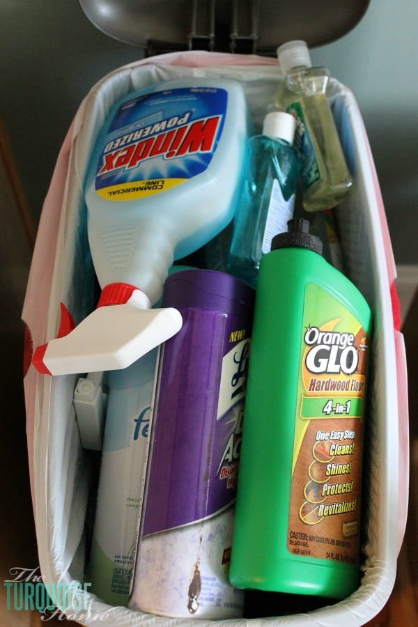 Getting Rid of Nasty Chemical Cleaners in my Home | TheTurquoiseHome.com