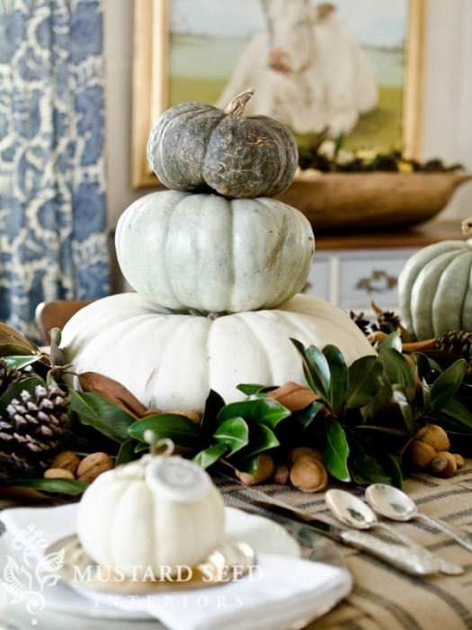 27 Gorgeous Thanksgiving Tablescapes |Simple Pumpkin and Magnolia Leaves Fall Tablescape