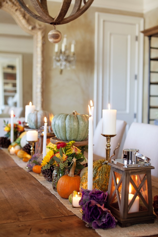 27 gorgeous thanksgiving tablescapes pumpkins lanterns pinecones flowers and candles - Tablescapes
