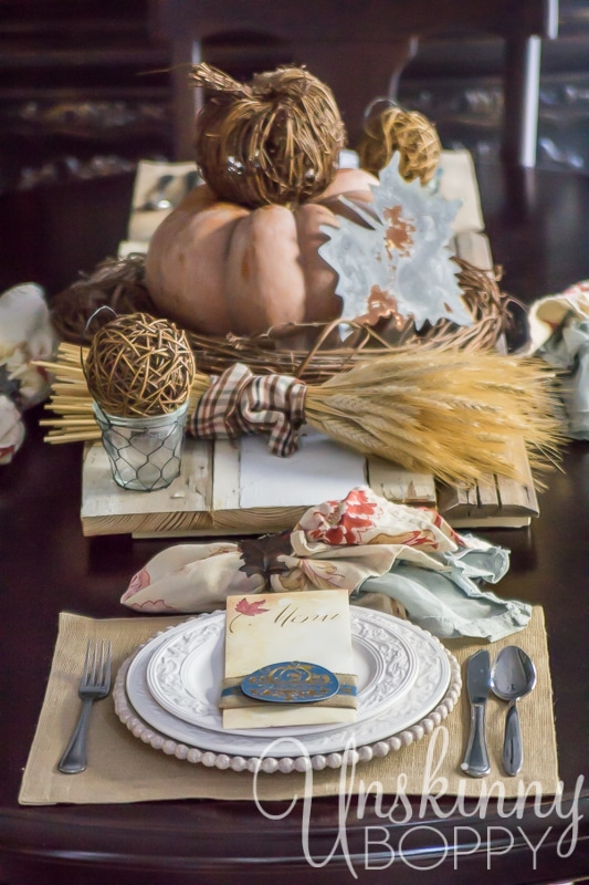 27 Gorgeous Thanksgiving Tablescapes | Natural and Rustic Table with Custom Menu Cards