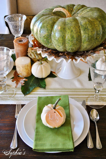 27 Gorgeous Thanksgiving Tablescapes | Green and Natural Table