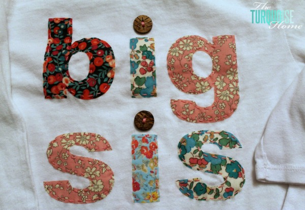 DIY Big Sis and Lil Sis T-shirts | TheTurquoiseHome.com