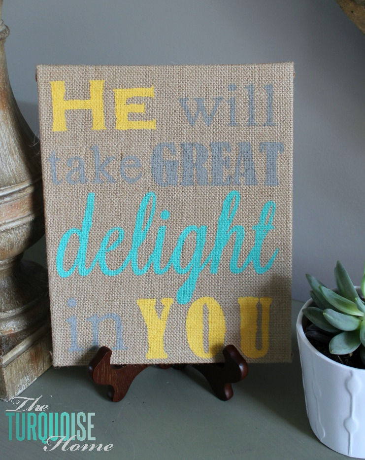 Love this simple and easy stenciled artwork. Would make a wonderful gift with any sentiment! DIY Stenciled Burlap Canvas | TheTurquoiseHome.com