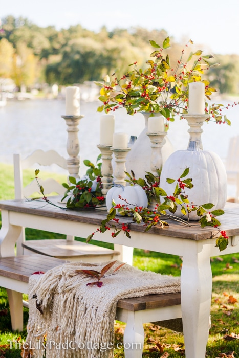 lily-pad-cottage-lake-thanksgiving-table