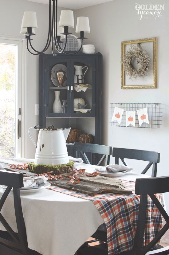 27 Gorgeous Thanksgiving Tablescapes | Simple, Rustic Fall Tablescape