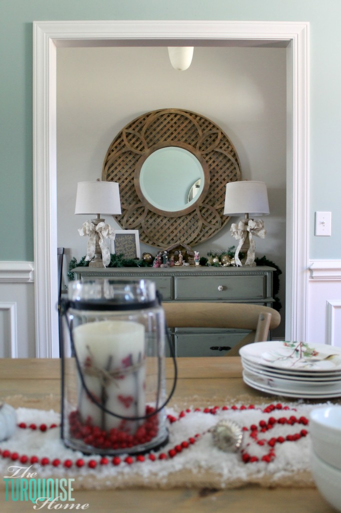 Christmas Decorating in the Entry Way   TheTurquoiseHome.com