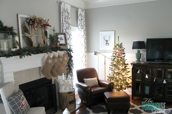 Simple Winter and Christmas Decor in the Living Room | TheTurquoiseHome.com