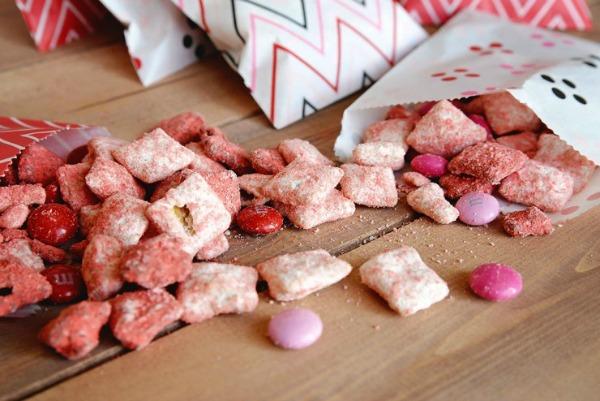 Valentine-Puppy-Chow-Mix-740x494