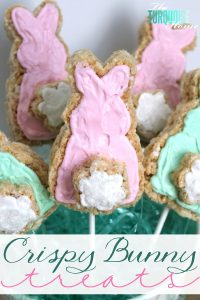 These bunny-shaped crispy treats would be a fun thing for Miss A and I to do (and eat!) together. :) They would make a great treat to make for a kids' Easter party or just for fun at home! | TheTurquoiseHome.com