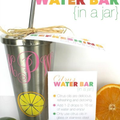 "Super refreshing citrus-infused water is not only yummy, but good for you too! Share them with a friend in this cute ""citrus water bar in a jar"" gift idea with free printables! All the details and freebies via TheTurquoiseHome.com"