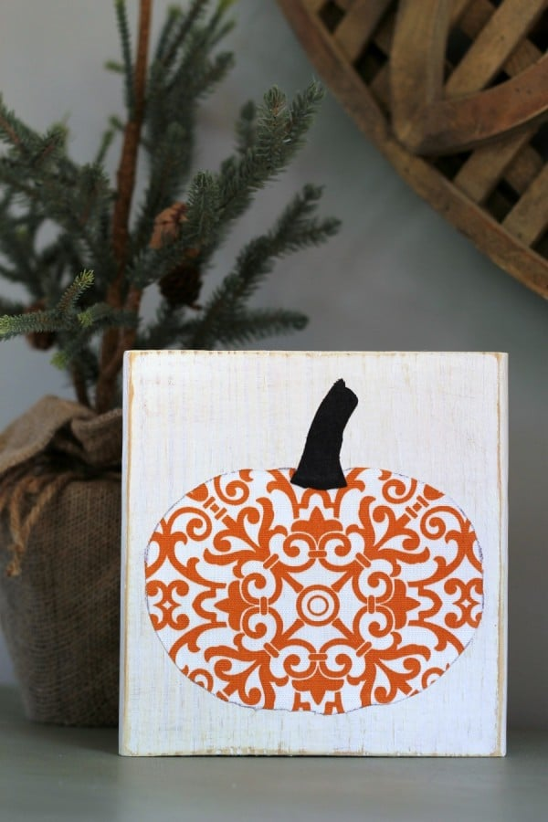 Scrappy Pumpkin Fall Decor | TheTurquoiseHome.com