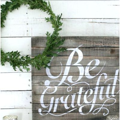 How to Make a Free Boxwood Wreath