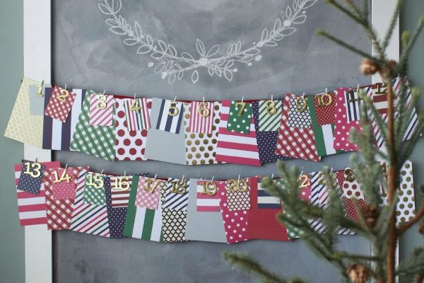 I love being intentional at Christmas with an advent calendar...   Christmas Chalkboard and December Daily   TheTurquoiseHome.com