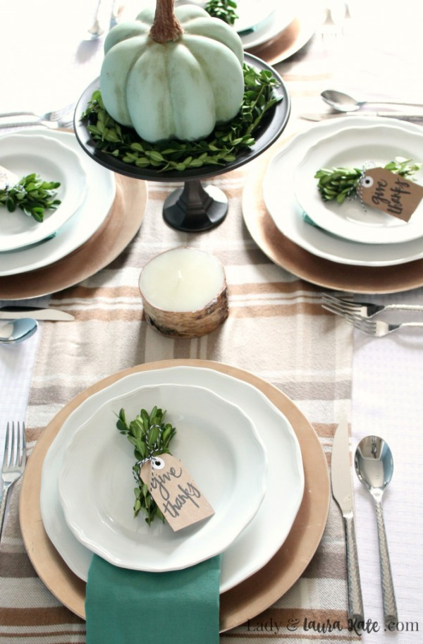 farmhouse-thanksgving-tablescape-1