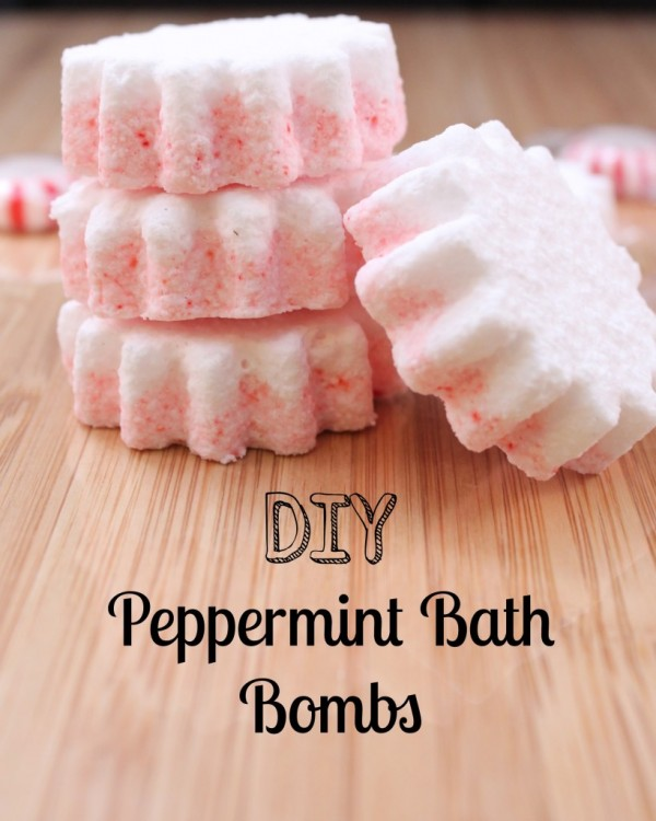 DIY Peppermint Bath Bombs from Moments with Mandi