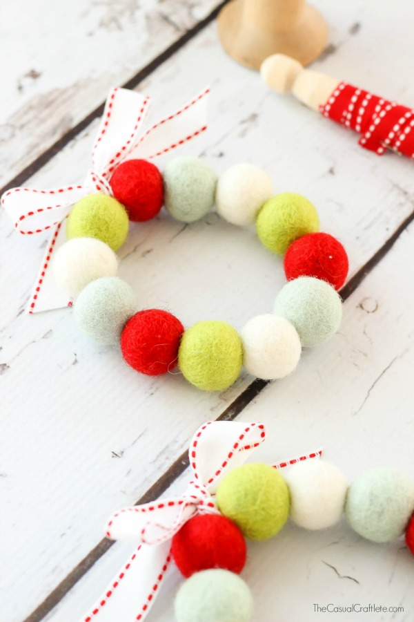 Easy-to-make Felt Ball Wreaths from The Casual Craftlete
