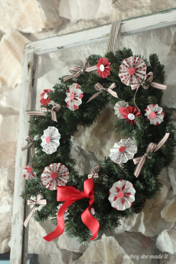 Medallion Christmas Wreath