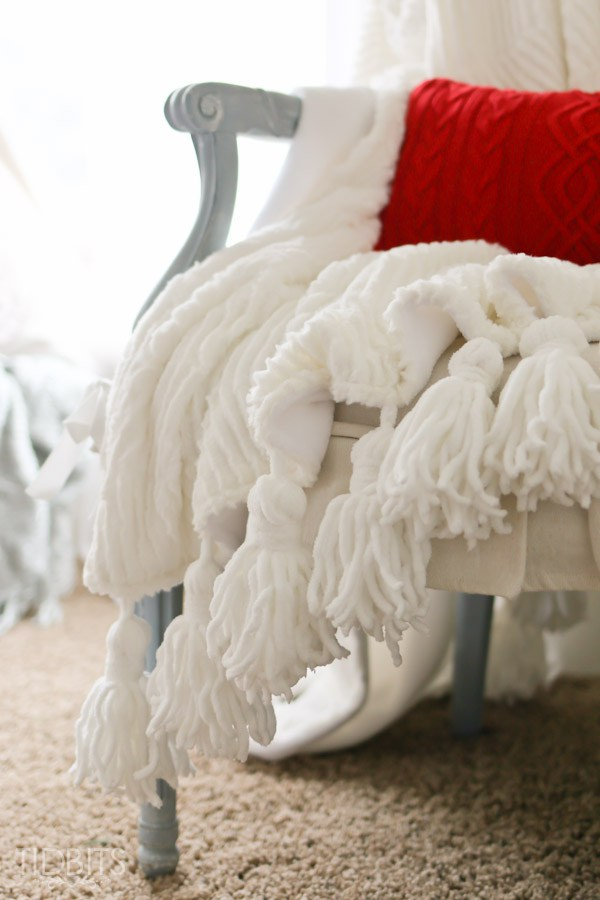 DIY Tassel Throw Blanket from Tidbits