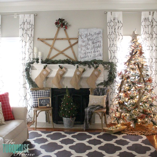 A Traditional Christmas Home Tour at TheTurquoiseHome.com