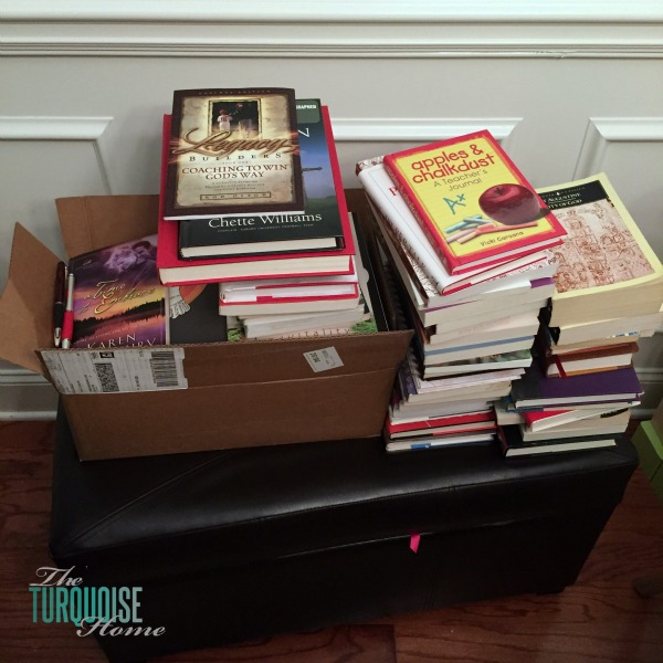 Decluttering Books with the KonMari Method | TheTurquoiseHome.com