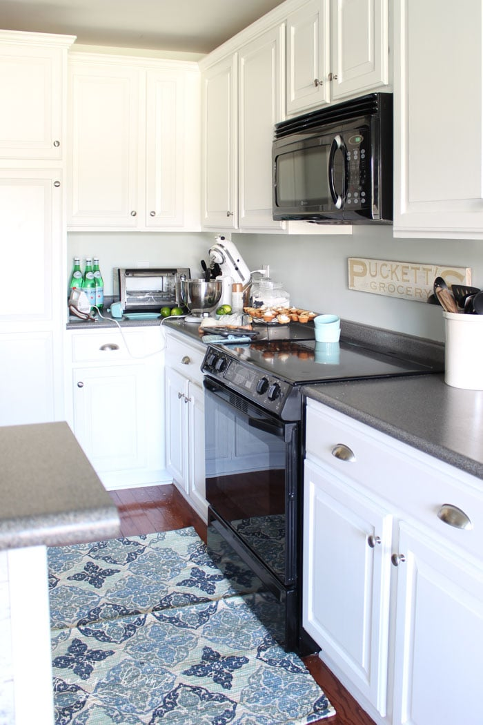 How to paint kitchen cabinets without fancy equipment Pictures of painted cabinets