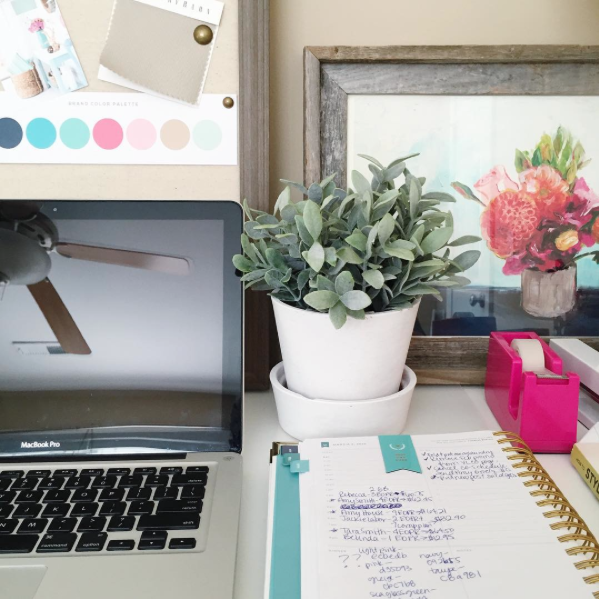 A Blogger Office Makeover | TheTurquoiseHome.com