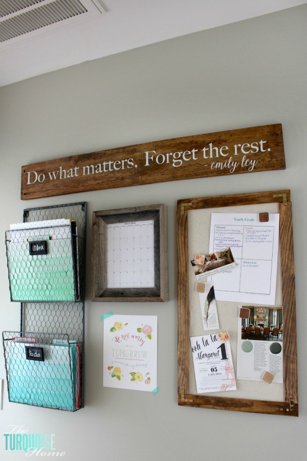 Don't let paper overrun your life!! How to Tame the Paper Clutter: Industrial Farmhouse DIY Magnetic Message Board | TheTurquoiseHome.com