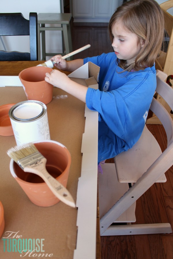 How to Give a Farmhouse Fresh Look to your Terra-cotta Pots   TheTurquoiseHome.com