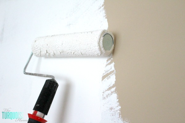 Easy Steps for Painting a Room: Rolling the Wall | TheTurquoiseHome.com