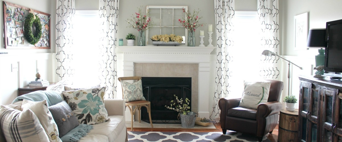 spring-farmhouse-decor-living-room-SLIDER