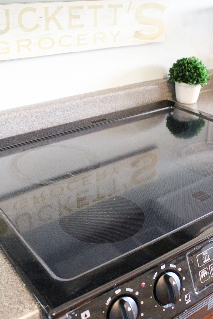 Don't mess with that toxic junk! Get your glass top sparkling with just