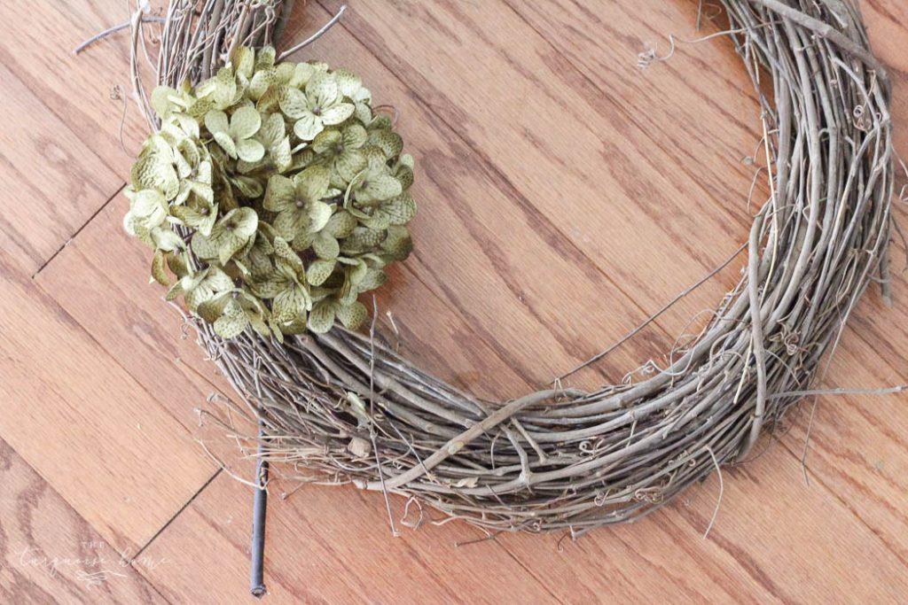 So easy and cute!! Love this DIY Faux Hydrangea Fall Wreath!