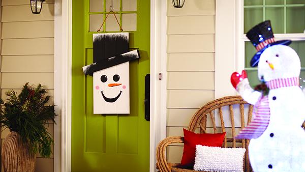 Seasonal Character Door Hanger | Home Depot's DIH Workshop – Save the Date!