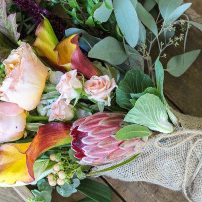 A Farmgirl Flowers Fall Tablescape