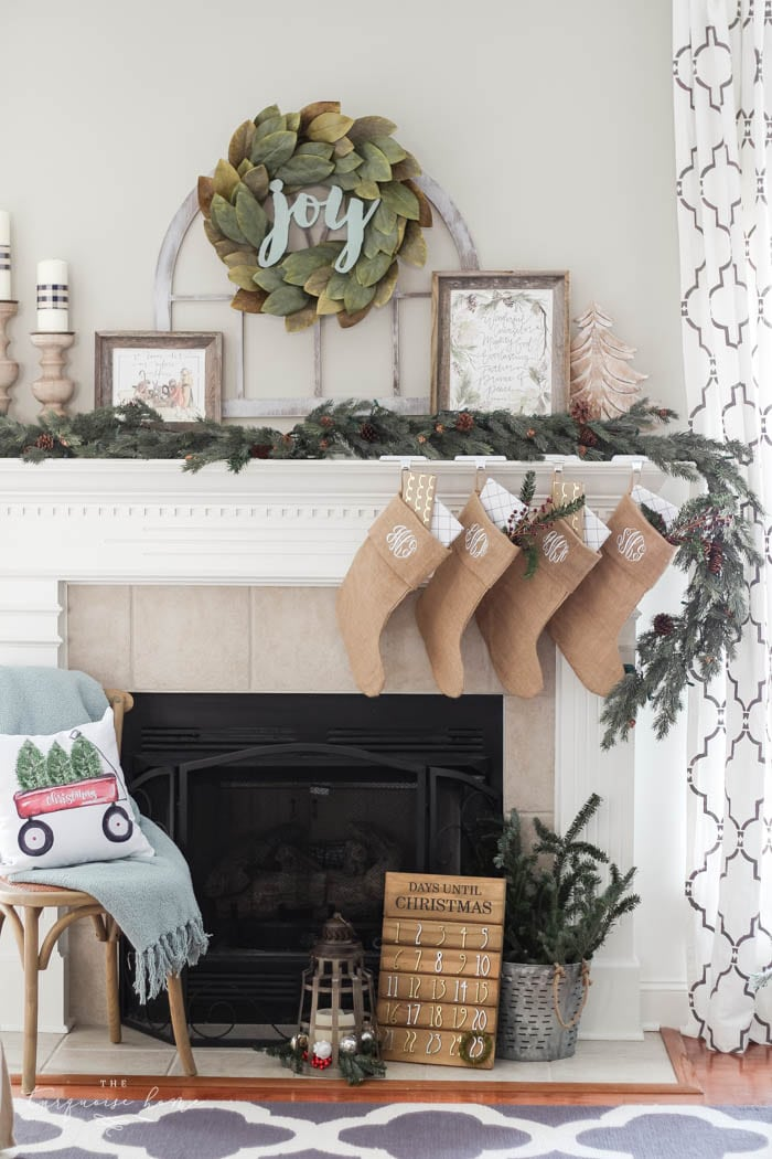 Pretty Magnolia Wreath Christmas Mantel Decor Brings A Rustic Feel To The Holiday Season Pops